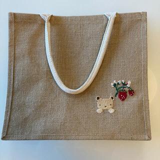 ムジルシリョウヒン(MUJI (無印良品))のhandmadeファミリア風刺繍 いちご 無印良品エコバッグジュートバッグ(トートバッグ)