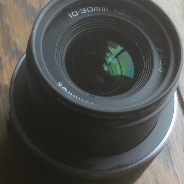 Nikon(ニコン)のニコンV 用 10〜30mmレンズ 新品同様 スマホ/家電/カメラのカメラ(レンズ(ズーム))の商品写真