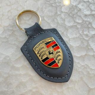 ポルシェ(Porsche)の【正規品】ポルシェ キーホルダー グレー(キーホルダー)