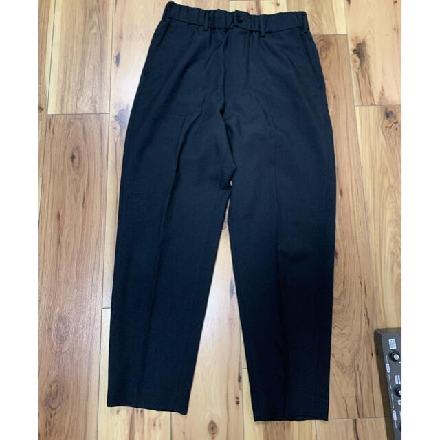 UNIQLO(ユニクロ)の【楽でかっこいい】ワイドフィットテーパードパンツ メンズのパンツ(スラックス)の商品写真