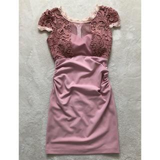 ピンクレースドレス