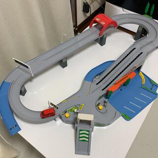 Takara Tomy - 動作確認済 トミカ 高速道路 にぎやかドライブ トミカビルとの連結にも