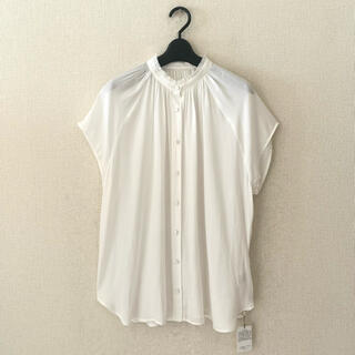 カプリシューレマージュ(CAPRICIEUX LE'MAGE)のCAPRICIEUX LE'MAGE ♡新品♡デザインシャツ(シャツ/ブラウス(半袖/袖なし))