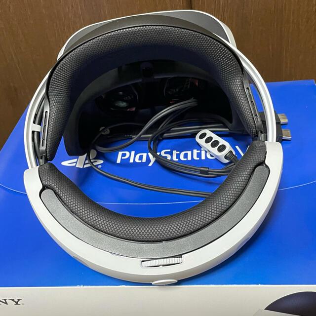 PlayStation VR(プレイステーションヴィーアール)のPSVR 本体(カメラ同梱) エンタメ/ホビーのゲームソフト/ゲーム機本体(家庭用ゲーム機本体)の商品写真