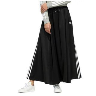 adidas - adidas ❤︎ フレアスカート