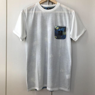 ラスティ(RUSTY)のRUSTY 半袖 Tシャツ 花柄 Lサイズ ロールアップ 速乾 UV(Tシャツ/カットソー(半袖/袖なし))