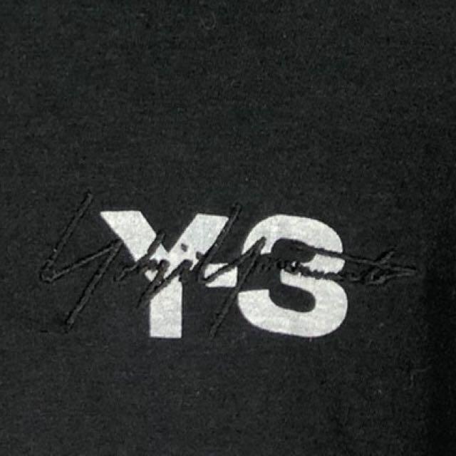 Y-3(ワイスリー)の【最高デザイン】Y-3 ヨウジヤマモト スリーライン 刺繍ロゴ 奇抜 Tシャツ メンズのトップス(Tシャツ/カットソー(半袖/袖なし))の商品写真