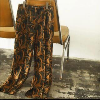 トゥデイフル(TODAYFUL)のJacquard Slit Trousers(カジュアルパンツ)