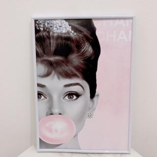 127 インテリアポスター シャネル  アートポスター オードリーヘップバーン(アート/写真)