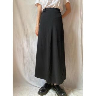トゥデイフル(TODAYFUL)のロングスカート 古着 着画 黒(ロングスカート)