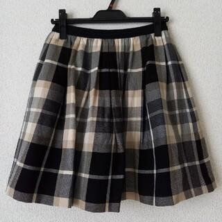 バーバリー(BURBERRY)の☆BURBERRY バーバリー スカート フレア チェック 美品 Mサイズ(ひざ丈スカート)