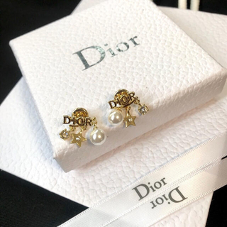 Dior - 大人気☆パール ラインストーンディオールピアス