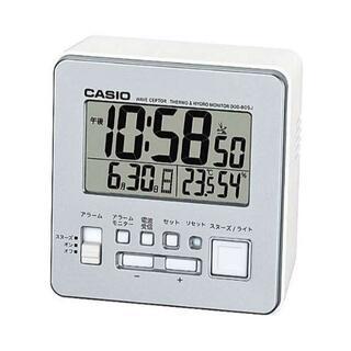 カシオ(CASIO)のカシオ 電波時計 目覚まし時計 シルバー 新品 送料無料 電池2本付き(置時計)
