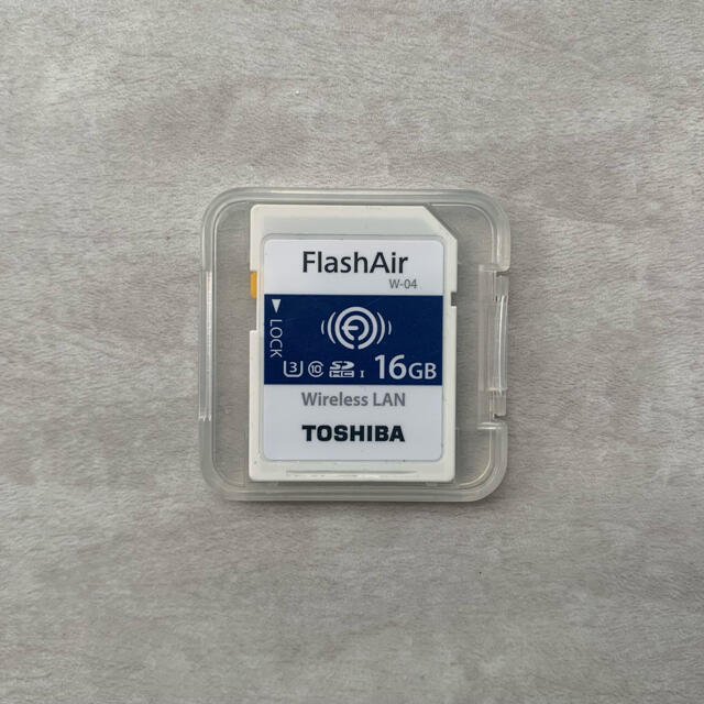 東芝(トウシバ)の東芝 (TOSHIBA)FlashAir 16GB スマホ/家電/カメラのPC/タブレット(PC周辺機器)の商品写真