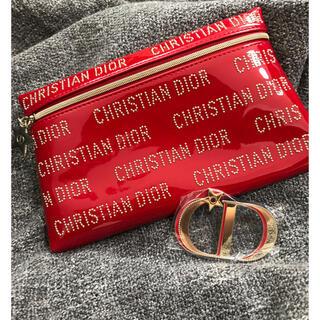 クリスチャンディオール(Christian Dior)のDiorクリスマス限定ノベルティポーチ+ブローチセット 未使用(ブローチ/コサージュ)