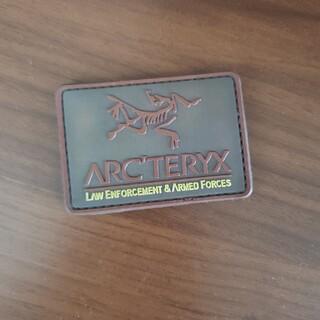 アークテリクス(ARC'TERYX)のアークテリクス リーフ パッチ ブラウン(ミリタリージャケット)
