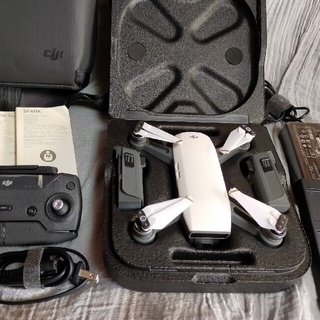 dji  Spark  FLY  MORE  COMBO スパーク ドローン