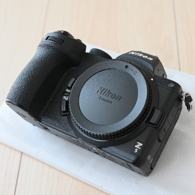 Nikon(ニコン)のニコン Z5 ボディ スマホ/家電/カメラのカメラ(ミラーレス一眼)の商品写真
