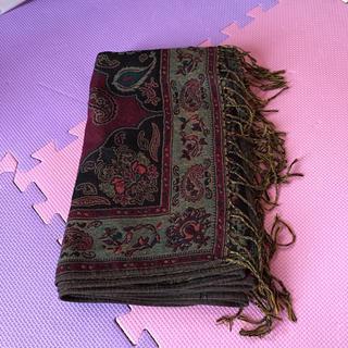 ハレ(HARE)の絨毯柄ボルドーストール(ストール)
