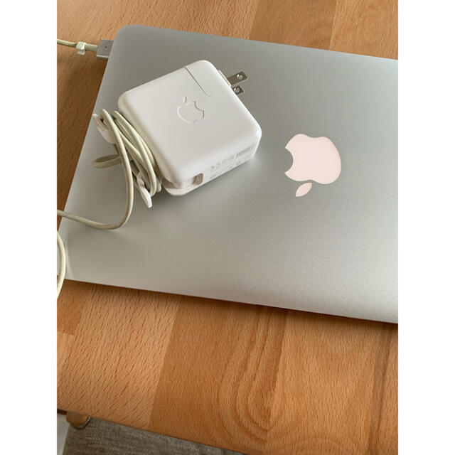Apple(アップル)のMacBook Air 11インチ 2013 SSD 256GB スマホ/家電/カメラのPC/タブレット(ノートPC)の商品写真