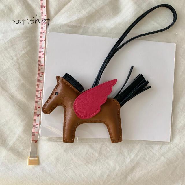 上質 羊皮 馬 ポニー ペガサス ロデオ 羽付き キーホルダー チャーム ハンドメイドのファッション小物(バッグチャーム)の商品写真