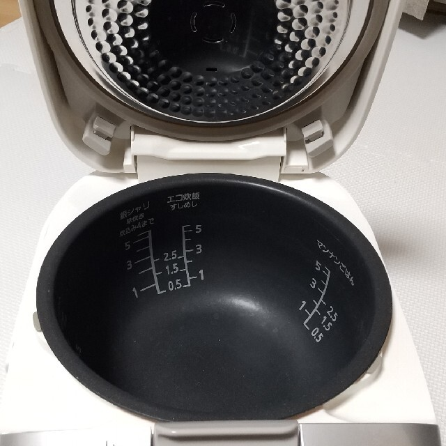 Panasonic(パナソニック)のPanasonic  SR-HC104-W 炊飯器 2015年 スマホ/家電/カメラの調理家電(炊飯器)の商品写真