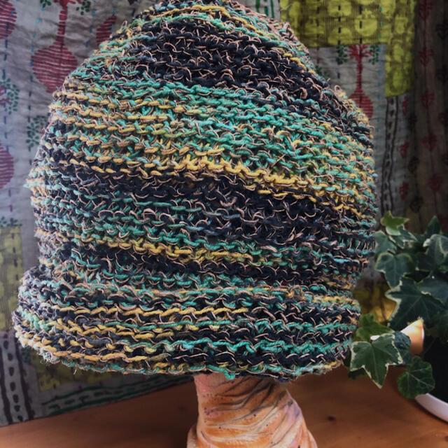 男女兼用/ネパール製 ニット帽/夏用/グリーン系 レディースの帽子(ニット帽/ビーニー)の商品写真