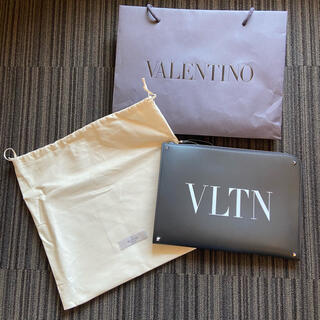 VALENTINO - 【新品未使用・正規品】 ヴァレンティノ クラッチバック