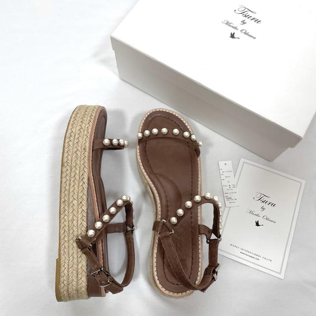 IENA(イエナ)の美品ツルバイマリコオイカワ パールサンダル 38 TSURU 24.5 24 レディースの靴/シューズ(サンダル)の商品写真