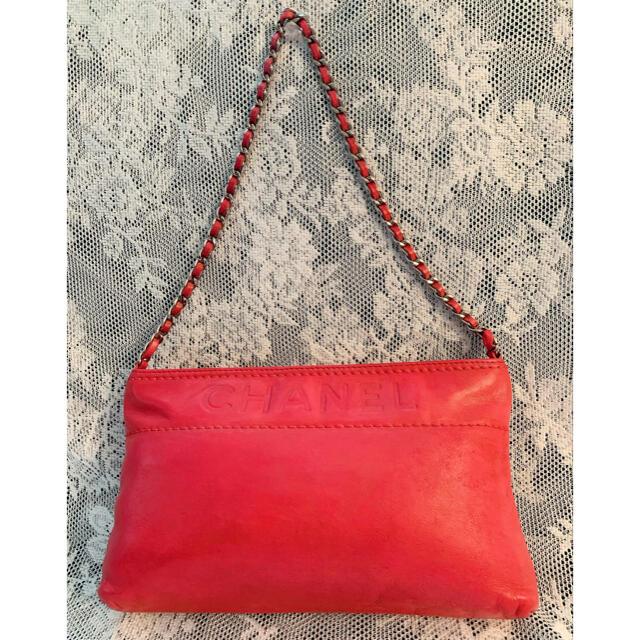 CHANEL(シャネル)のCHANEL チェーンミニバッグ チェリーレッド レディースのバッグ(ハンドバッグ)の商品写真
