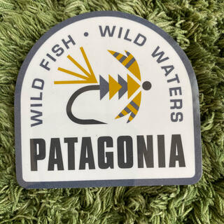 パタゴニア(patagonia)のパタゴニア ステッカー半月型(登山用品)