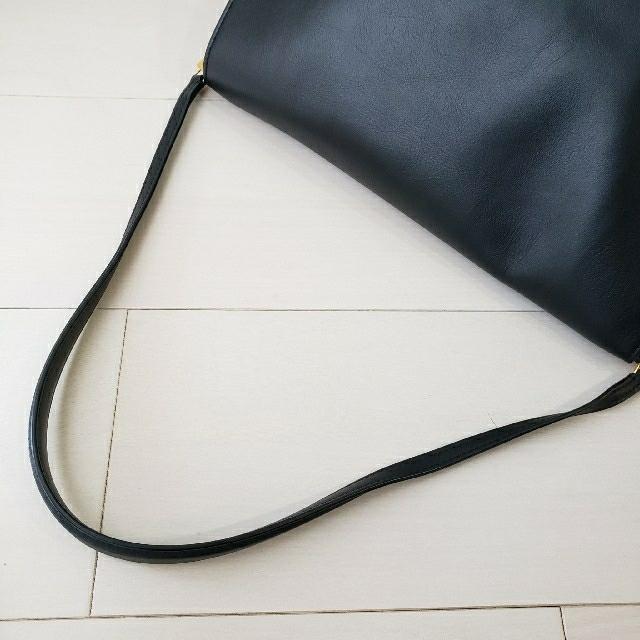 celine(セリーヌ)の美品【セリーヌ】スムースカーフスキン フラップクラスプ ショルダーバッグ レディースのバッグ(ショルダーバッグ)の商品写真