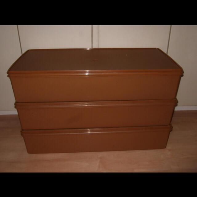 タッパーウェア used  ロングスーパーケース 3個 (セピア) インテリア/住まい/日用品の収納家具(ケース/ボックス)の商品写真