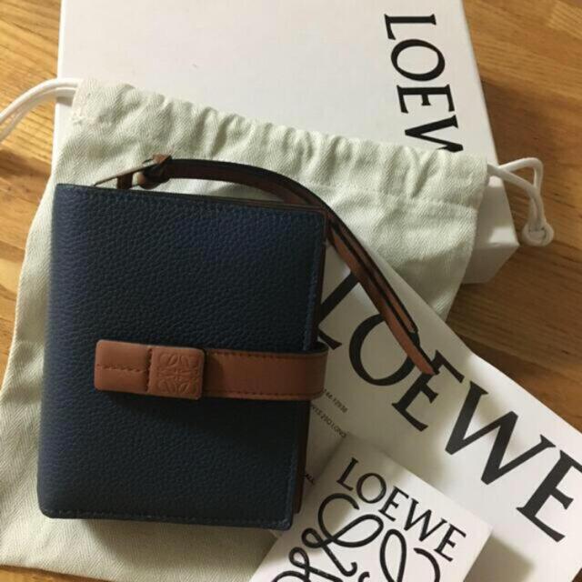 LOEWE(ロエベ)のLOEWE財布 レディースのファッション小物(財布)の商品写真