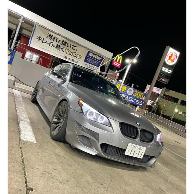 BMW(ビーエムダブリュー)のBMW525i.フルカスタム車、M5ルック、現状販売!美車★ 自動車/バイクの自動車(車体)の商品写真