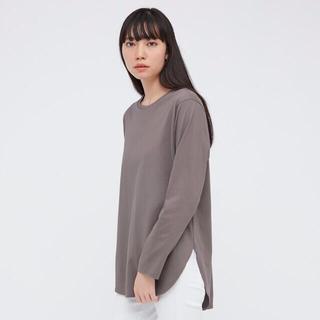 ユニクロ(UNIQLO)のUNIQLO コットンロングシャツテールT ブラウン M(Tシャツ(長袖/七分))