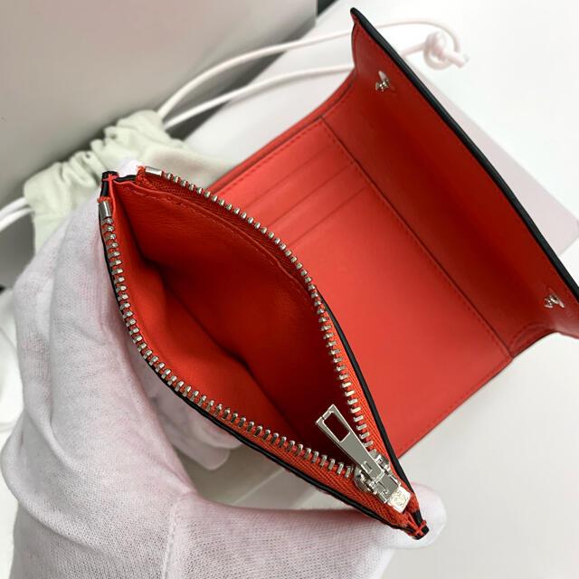 LOEWE(ロエベ)のLOEWE ロエベ アナグラム柄 バーティカル ウォレット ミニ財布 三つ折 赤 レディースのファッション小物(財布)の商品写真