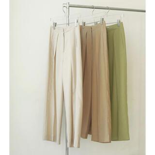 トゥデイフル(TODAYFUL)の新作【定価以下】TODAYFUL Linen Tuck Trousers(カジュアルパンツ)