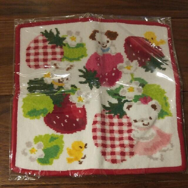 familiar(ファミリア)のmomo様専用🍓ファミリア🍓シェニール織りハンカチ レディースのファッション小物(ハンカチ)の商品写真