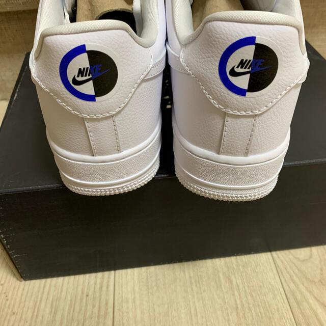 NIKE(ナイキ)のナイキ エアフォース1 07 LX chrome luxe スニーカー メンズの靴/シューズ(スニーカー)の商品写真