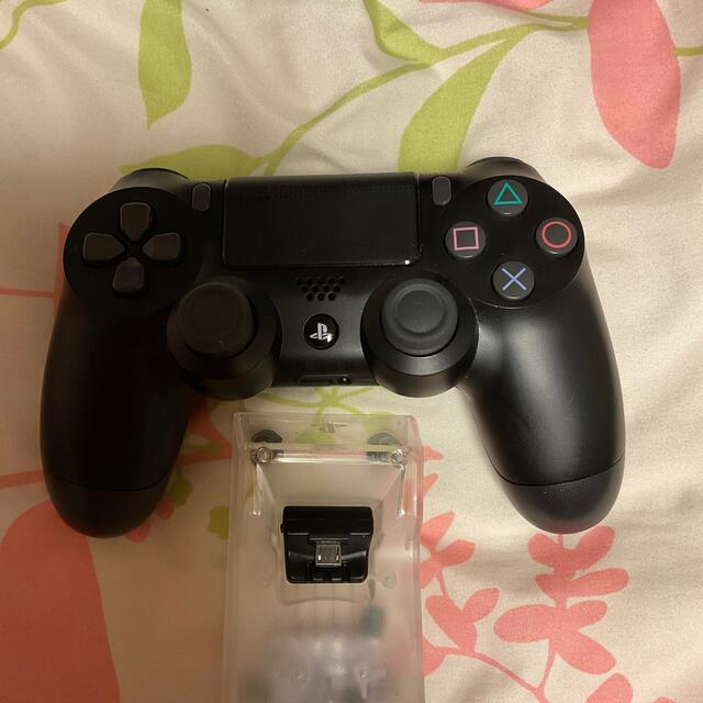 PlayStation4(プレイステーション4)のPS4本体 CHU−2000A  500GBジェットブラック エンタメ/ホビーのゲームソフト/ゲーム機本体(家庭用ゲーム機本体)の商品写真