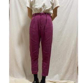 ケービーエフ(KBF)のKBF ボトム テーパード パンツ ピンク パープル カラーボトム(カジュアルパンツ)