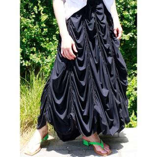 エムエムシックス(MM6)の☆定価7.3万・美品 MM6 メゾンマルジェラ 20SS ティアードスカート 黒(ロングスカート)