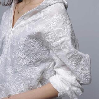 アンティカ(antiqua)のアンティカ  ペイズリー刺繍シャツ(シャツ/ブラウス(長袖/七分))