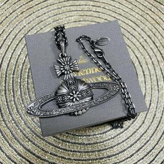 ヴィヴィアンウエストウッド(Vivienne Westwood)の《 新品未使用 》Vivienne Westwood ネックレス ブラックメタル(ネックレス)