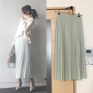 ユニクロ(UNIQLO)のユニクロ シフォンプリーツロングスカート ミントグリーン 新品未使用タグ付き(ロングスカート)