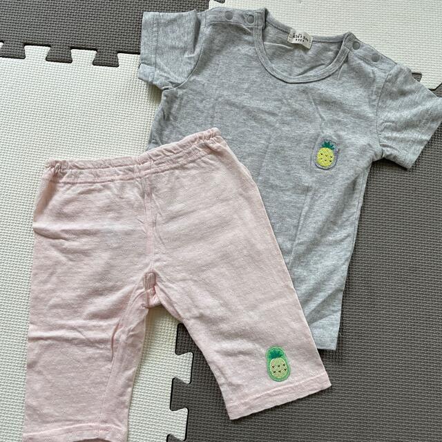 パイナップル Tシャツ パンツ 2枚セット 95センチ キッズ/ベビー/マタニティのキッズ服女の子用(90cm~)(Tシャツ/カットソー)の商品写真