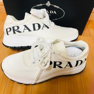 PRADA - 極美品 プラダ スニーカー ホワイト ロゴ レディース 37ハーフ 24