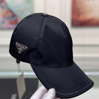 PRADA - 新品・未使用 PRADA キャップ ハット 帽子    黒 ブラック