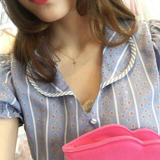ベリーブレイン(Verybrain)のstripe flowerシャツ(シャツ/ブラウス(半袖/袖なし))